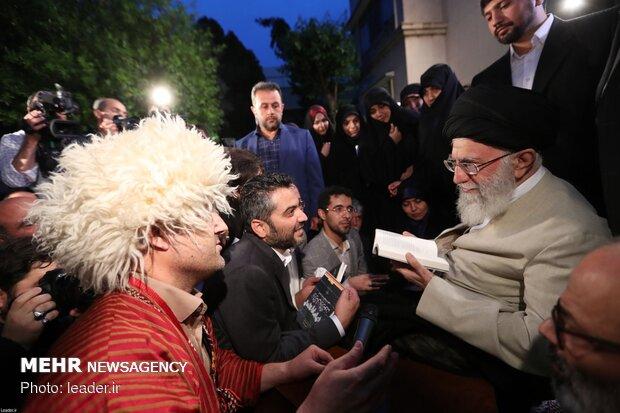 دیدار جمعی از شاعران و استادان زبان و ادب پارسی با رهبر معظم انقلاب