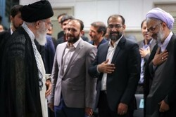 ۵ یزدی با رهبر معظم انقلاب دیدار کردند