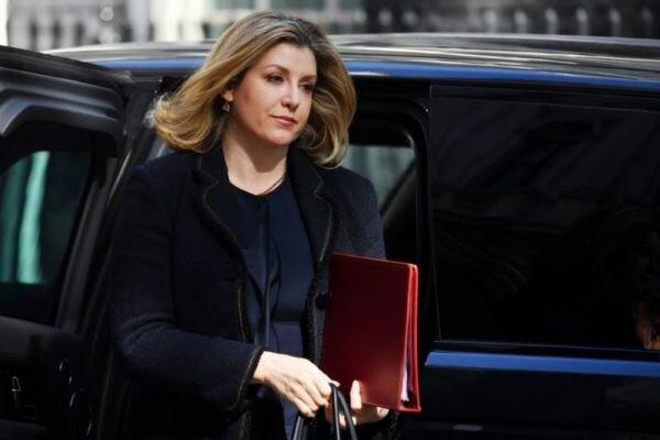 ادعای وزیر دفاع انگلیس درباره نفتکش توقیف شده توسط ایران