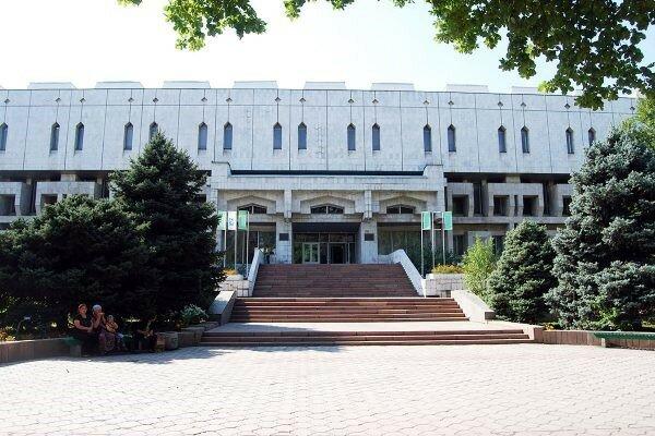 آستان قدس و کتابخانه ملی قرقیزستان تفاهمنامه همکاری امضا میکنند
