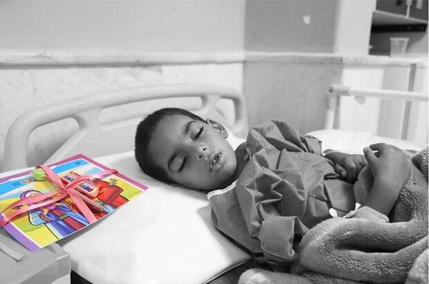 آیین «گرگشو» در بیمارستان کنگان برگزار شد/ مرهمی بر درد کودکان