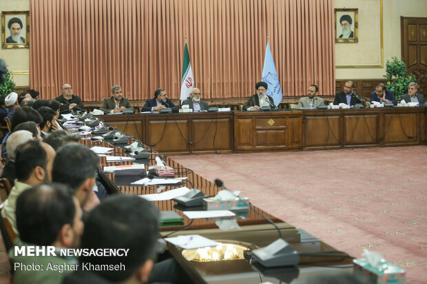 Judiciary chief meets with media directors