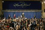 قائد الثورة الإسلامية يستقبل جمعا من الطلاب الجامعيين والتشكلات الطلابية
