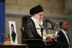 Youth can bring about major evolution in Iran's management system: Leader