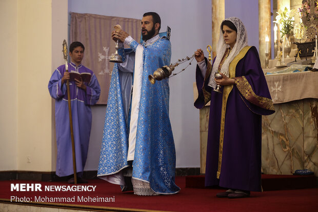 Armenian Diocese of Tehran commemorates anniv. demise of Imam Khomeini