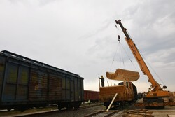 تخلیه و بارگیری کالا در راه آهن مرزی آستارا