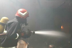 آتشسوزی در کارگاه کابینتسازی شهرک غرب سمنان مهار شد