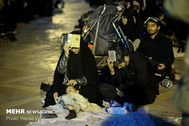 مراسم احیای شب بیست و یکم ماه مبارک رمضان در حسینیه فاطمه زهرا(س)