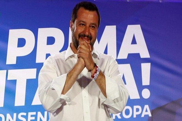 دردسر مهاجران برای وزیر کشور سابق ایتالیا/ سالوینی دادگاهی می شود