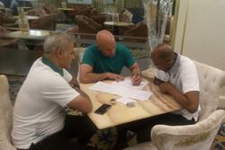 جلسه شبانه منصوریان برای بررسی برنامههای فصل آینده ذوب آهن