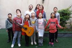 اجرای نمایش موزیکال «زیر گنبد طلا» با بازی ۹ کودک در تالار هنر