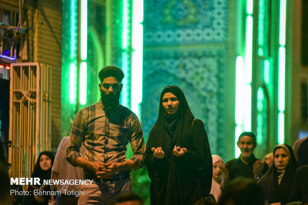 Laylat al-Qadr observed at Abd al-Aziz al-Hasani shrine