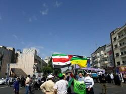 حضور مردم روزه دار پایتخت پیش از آغاز رسمی مراسم راهیپمایی روز قدس