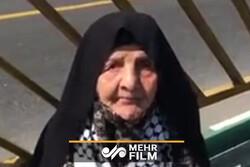 حضور پیرزن ۱۰۰ ساله در راهپیمایی روز قدس تهران