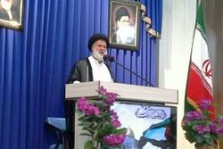 امام خمینی(ره) ملت ایران را عزتمند کرد