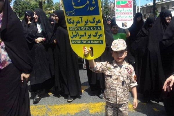 مردم استان بوشهر در مبارزه با استعمار و استکبار پیشتاز هستند