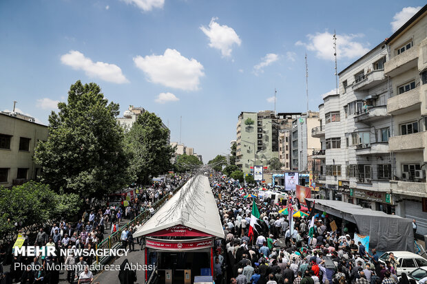 Quds Day rallies in Tehran (2)