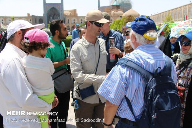 Tourists attend Quds Day rallies in Isfahan
