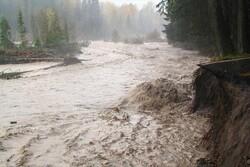 انحراف مسیر رودخانه ها توسط کشاورزان میزان خسارت را تشدید می کند