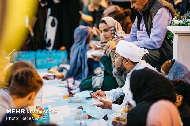 مراسم افطار در انگلیس