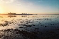 خشک شدن تالاب «آق گل» یک کانون ریزگرد جدید در کشور ایجاد میکند