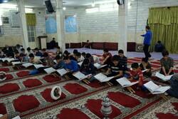 موائد افطار متواضعة في مساجد إيران/صور