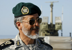 Iran doesn't allow others to come close to its water borders: senior cmdr.