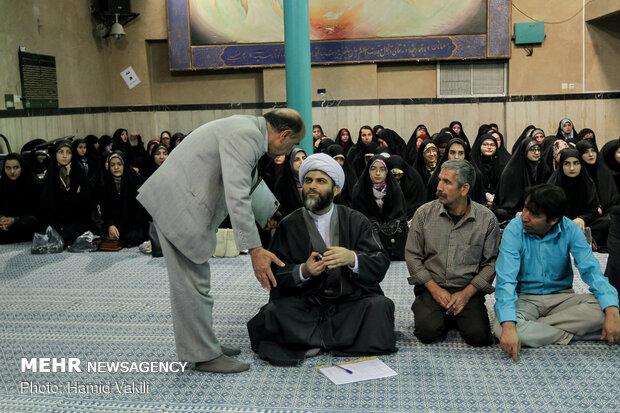 محفل انس با قرآن دانشگاهیان در حسینیه جماران