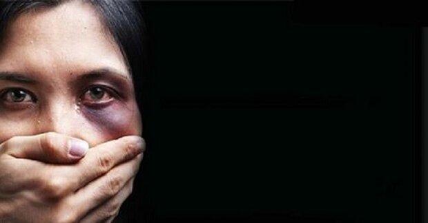 فرار مدعیان دفاع حقوق زنان از محکوم کردن «نهایت خشونت علیه یک زن»