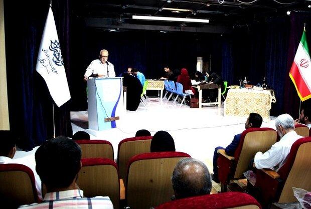 نشست تخصصی هنرمندان با محوریت قرآن و هنر در بوشهر برگزار شد