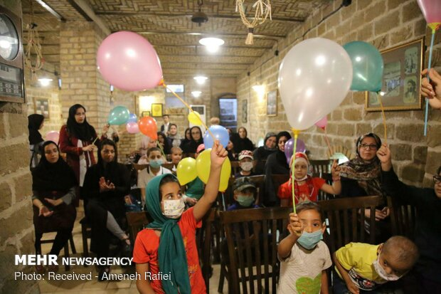 جشنواره ساخت فانوس با حضور کودکان مبتلا به سرطان