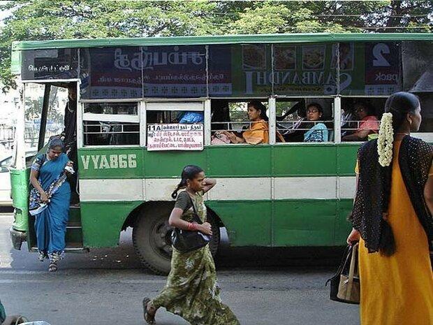 دہلی میں خواتین کو سرکاری بسوں میں مفت سفر کی سہولت کا اعلان