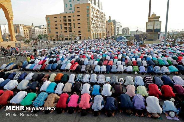 پاکستان اور ہندوستان میں مسلمان آج عید فطر مذہبی عقیدت واحترام سے منارہے ہیں