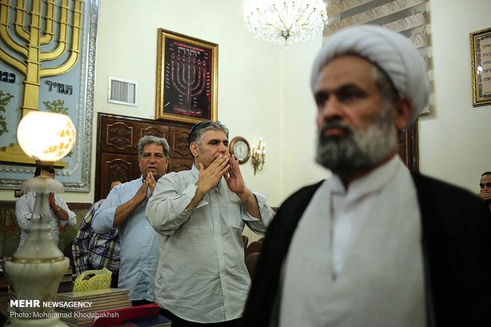اليهود في طهران يحيون ذكرى رحيل الامام الخميني (رض)