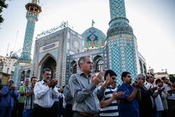 اقامه نماز عید سعید فطر در امامزاده صالح(ع)