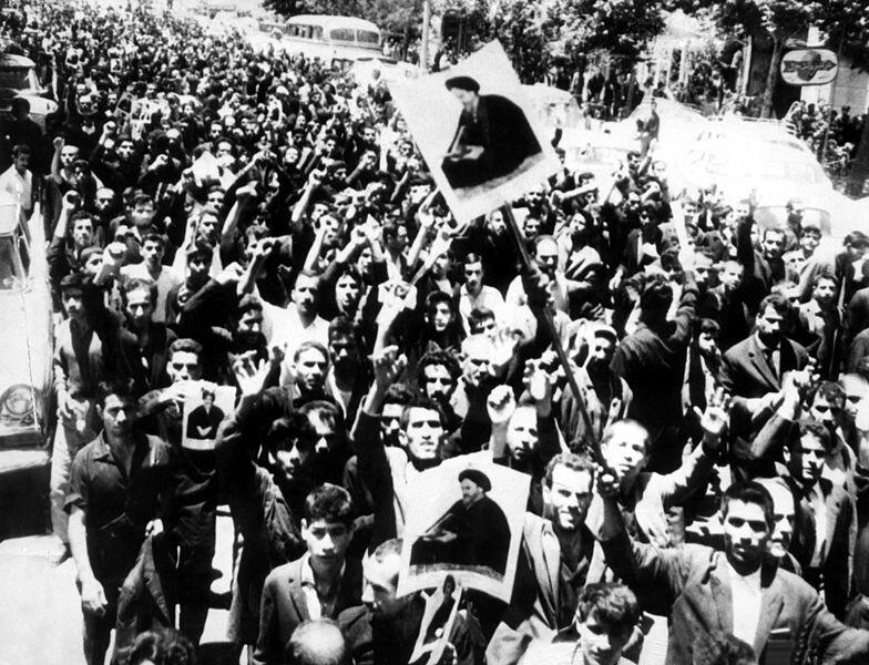 مرور فعالیت بازیگران خون در قیام پانزده خرداد
