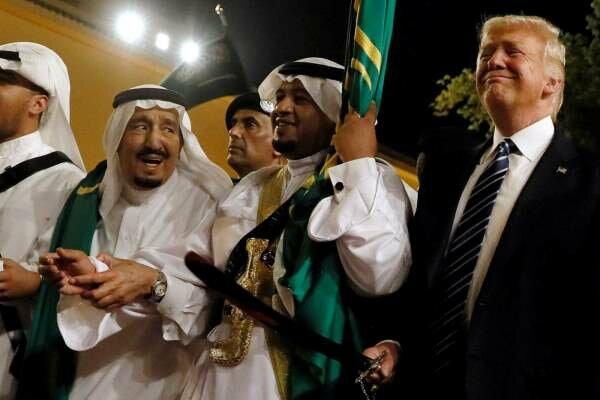 ٹرمپ کی ایران کو بہانہ بنا کر سعودی عرب کی خدمت/ سعودیہ کو مہلک ہتھیاروں کی فروخت کا سلسلہ جاری
