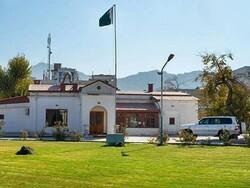 افغانستان میں مشتعل ہجوم کا پاکستانی سفارت خانے پرحملہ