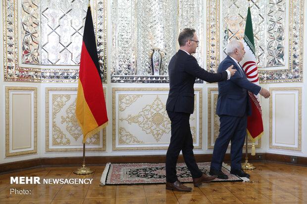 استقبال ظريف لنظيره الالماني