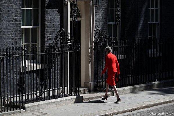 نماینده های محافظه کار انگلیس برای نخست وزیری به رقابت می پردازند