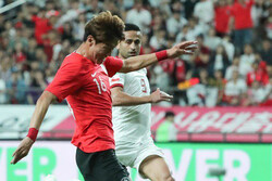 VIEDO: S. Korea scores own goal in friendly match with Iran