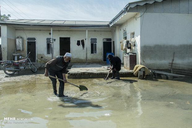 پرداخت کمک بلاعوض معیشتی به ۴۵۵ خانوار سیلزده آق قلا
