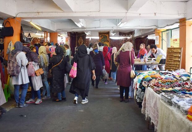 For lovers of Persian handicrafts: 'Parvaneh' Friday bazaar is made for you!