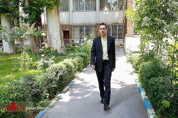 تقرير مصور.. صور نزار زكا قبيل مغادرته إيران