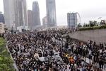 ہانگ کانگ انتظامیہ نے عوامی احتجاج کے سامنے گھٹنے ٹیک دیئے