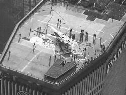 نیویارک میں کثیرالمنزلہ عمارت کی چھت پر ہیلی کاپٹر کی ہنگامی لینڈنگ