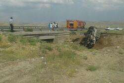 واژگونی و آتش گرفتن خودروی نیسان ۳ کشته و مجروح بر جای گذاشت