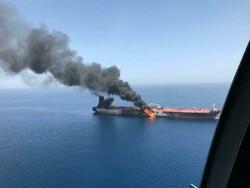 خلیج عمان میں 2 تیل بردار کشتیوں پر حملہ