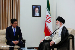 رئيس الوزراء الياباني يطلع ترامب على نتائج مباحثاته في ايران