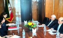 ظريف يلتقي وكيلة الأمين العام للامم المتحدة للشؤون السياسية